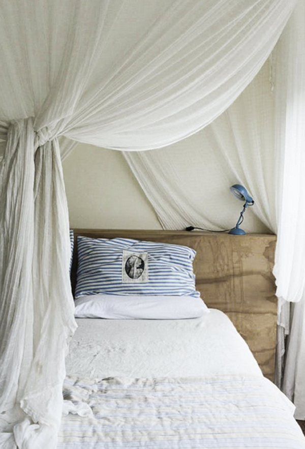 Romantic Bedroom Curtains: Simple-romantic-bedroom-with-curtain-decor