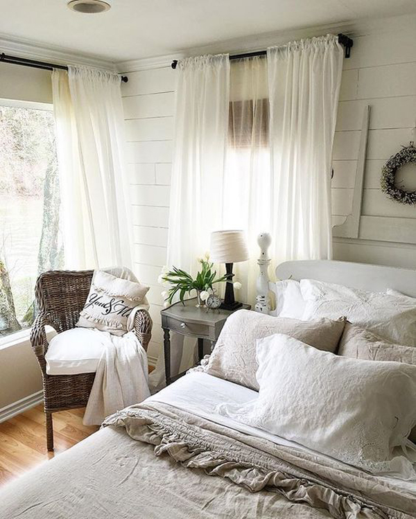 25 Cozy And Stylish Farmhouse Bedroom Ideas | HomeMydesign