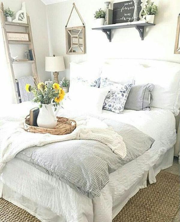 25 Cozy And Stylish Farmhouse Bedroom Ideas | HomeMydesign on Bedroom Farmhouse Decor  id=13097