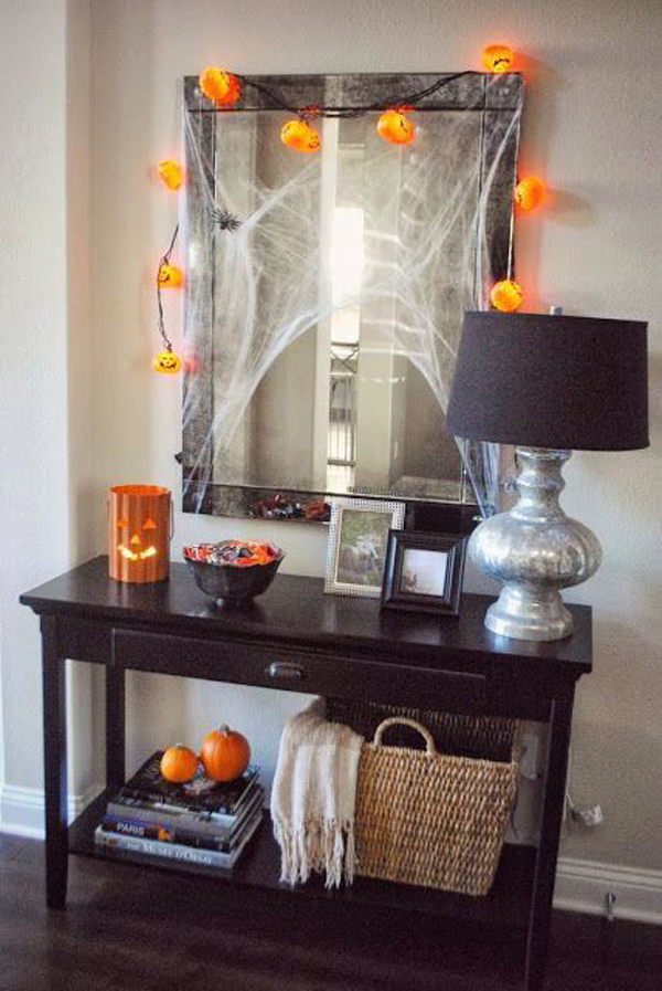 15 cool entryway ideas to bring you 39 ll halloween home for Cool halloween decorations to make at home