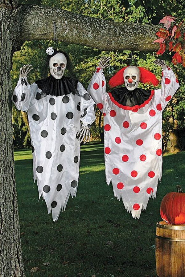 20 cool and scary clown halloween decorations home for Cool halloween decorations to make at home