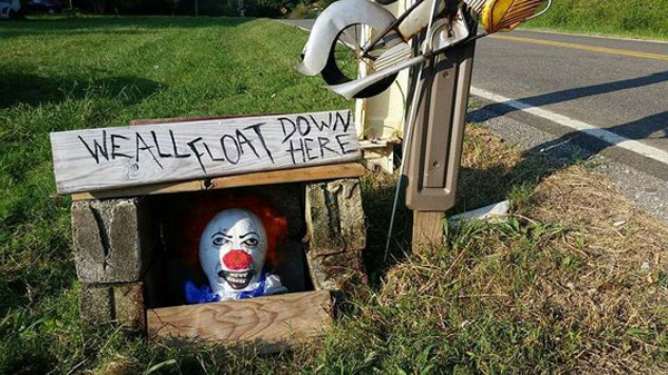Creepy Clown Halloween Decorations.20 Cool And Scary Clown Halloween Decorations Obsigen