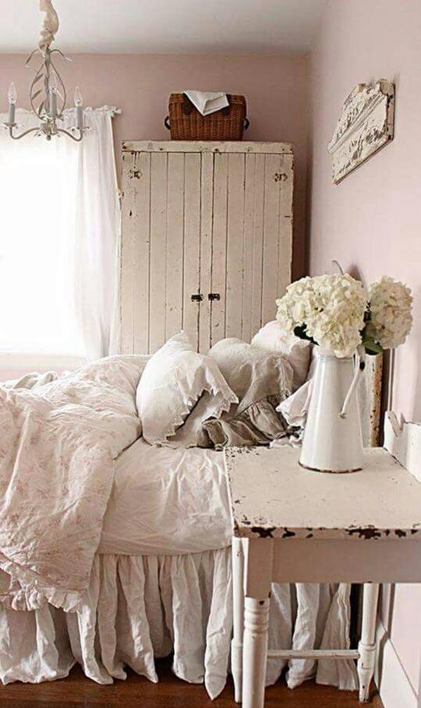 pink-farmhouse-bedroom-decor - HomeMydesign