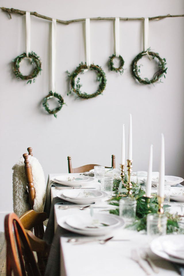 15 simple and minimalist christmas decorating ideas for tiny spaces