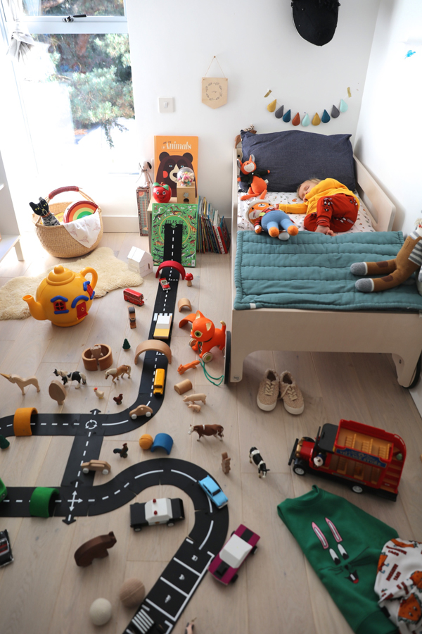 Awesome Kids Playroom Decor With Track For Cars And Toys