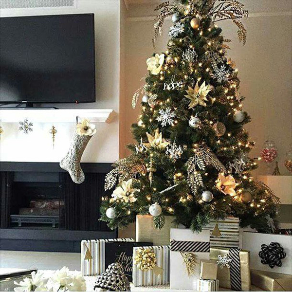 Modern Christmas Tree With Fireplace And Tv Stand