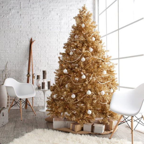 Perfect Gold Christmas Tree With Glam Space