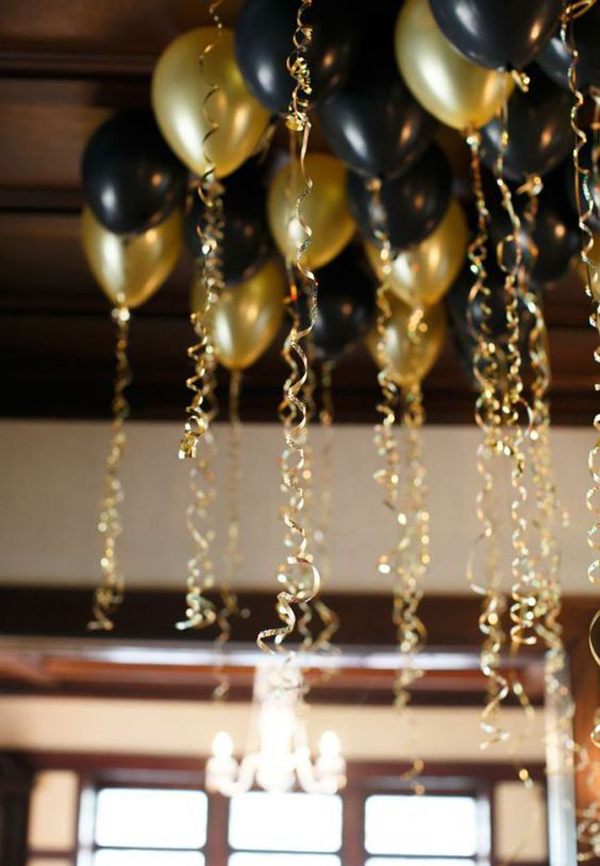 Black And Gold Balloon New Year Party Decor
