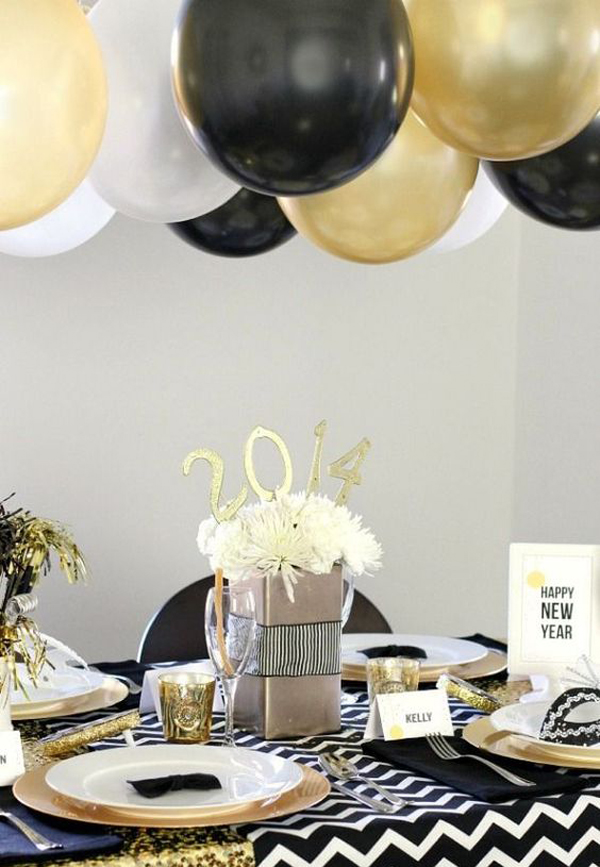 20 black and gold new year party for last holiday home for Table design for new year