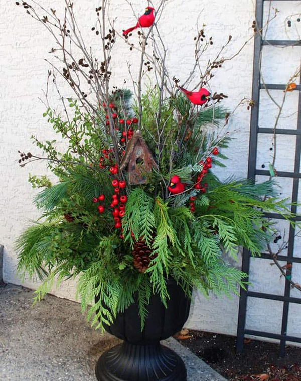 20 Most Amazing Outdoor Winter Planters For Christmas Season Homemydesign