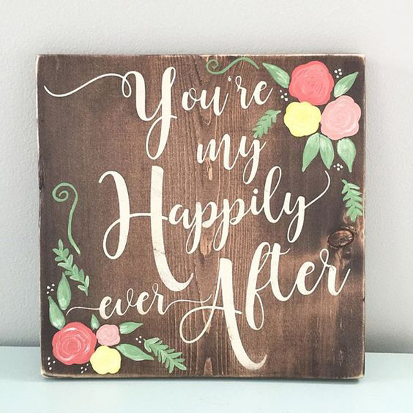 25 Super Romantic Wooden Signs For Valentine's Day