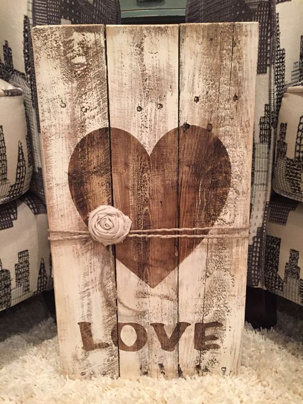Pallet Love Sign For Valentine Day Ideas