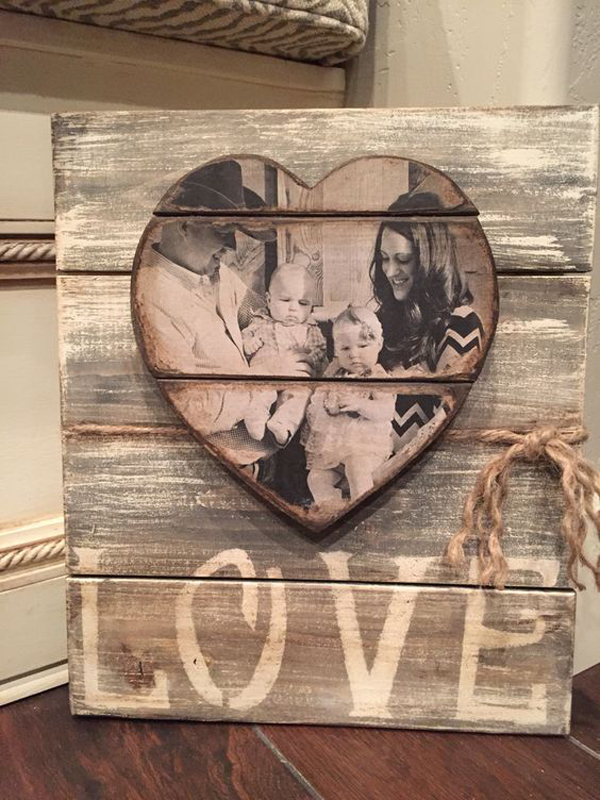Wooden Family Heart Sign For Valentine Days