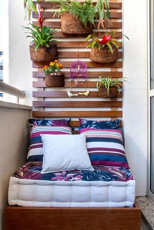 Cozy Small Balcony Ideas With Vertical Garden