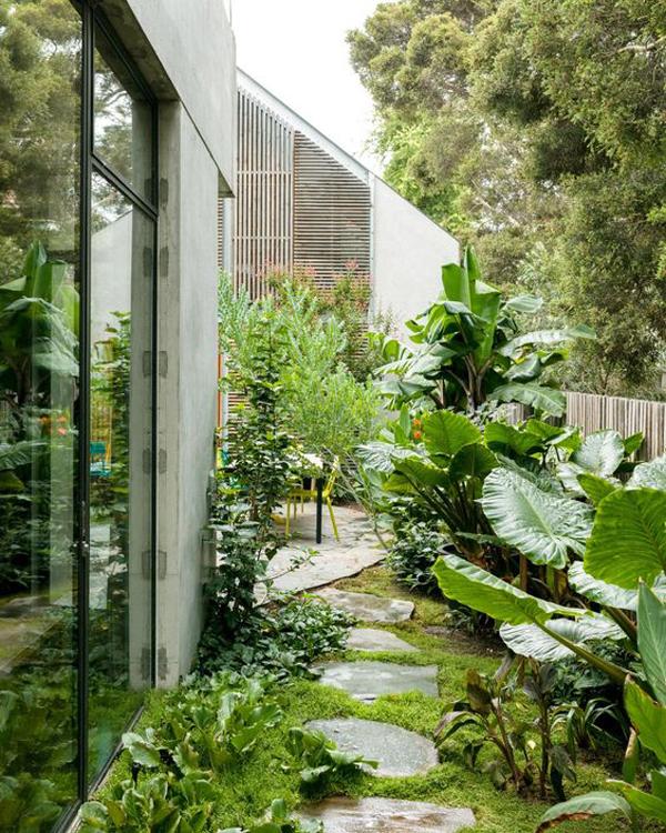 20 Urban Backyard Oasis With Tropical Decor Ideas ... on Designing A Backyard Oasis id=24735