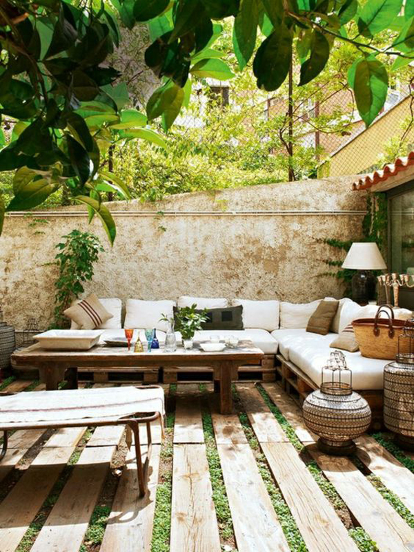 20 Small And Gorgeous Backyard Ideas In The City ... on Small City Patio Ideas id=34980