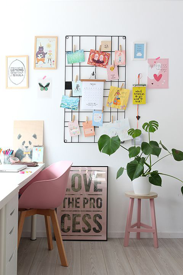 Cute Girl Home Office With Pinboard Ideas