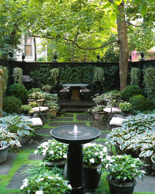 20 Small And Gorgeous Backyard Ideas In The City ... on Small City Patio Ideas id=42239