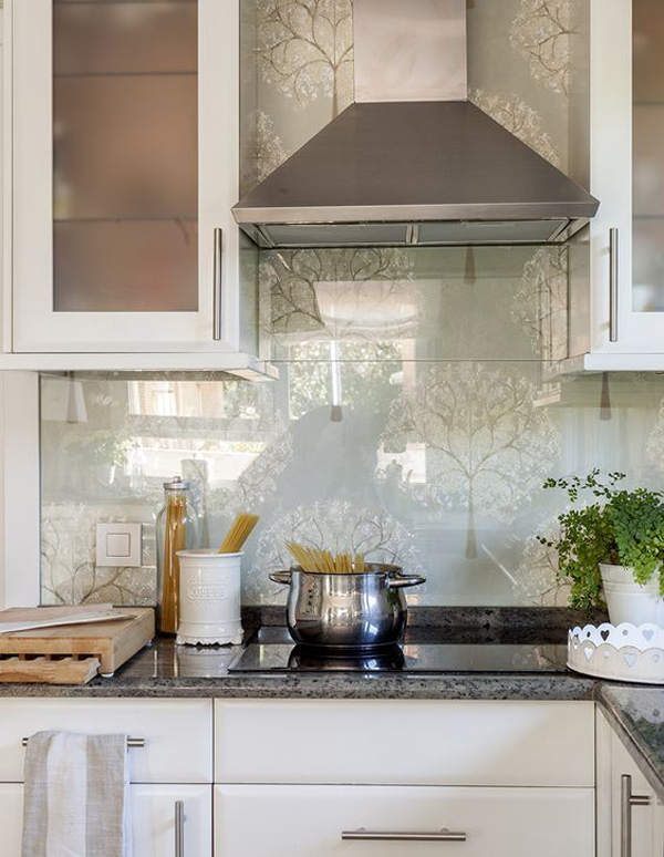 20 Beautiful Wallpaper Kitchen Backsplashes With Nature Elements ...