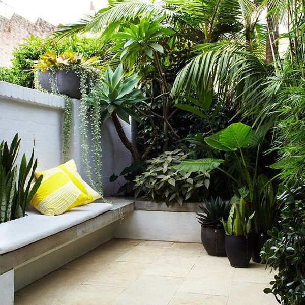 small-backyard-oasis-with-diy-benches - Small-backyard-oasis-with-diy-benches Home Design And Interior