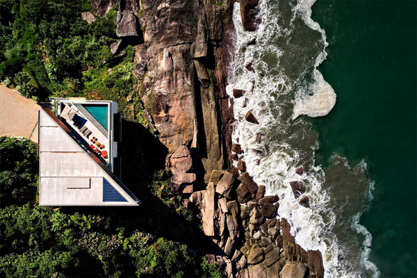 Casa Peninsula: The Incredible Clifftop Residence In Brazil