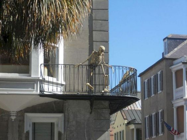 Most Amazing Halloween Decoration For Your Balconies