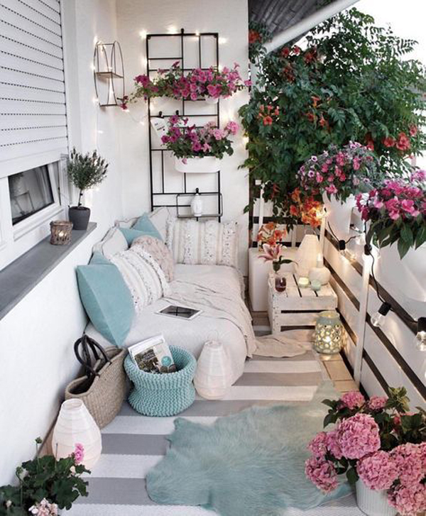 25 Wonderful Balcony Design Ideas For Your Home: 25 Winter Balcony Decor Ideas That Will Bring Warmth