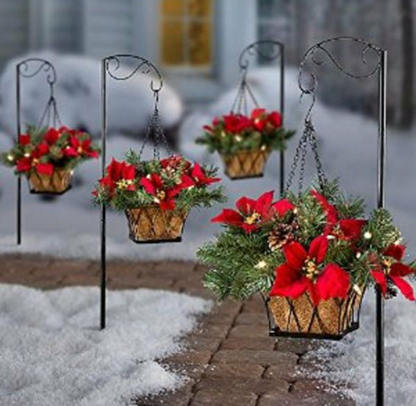 Outdoor-christmas-hanging-flower-pots