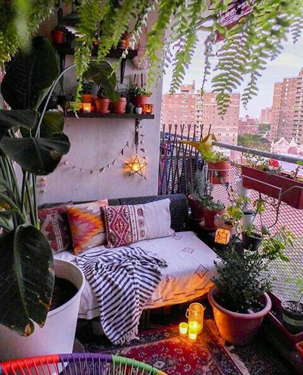 Home Garden Design Ideas India: Romantic-balcony-garden-with-boho-chic-style
