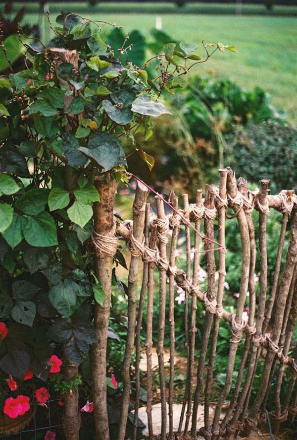 25 Rustic Fencing Ideas To Make Sure Your Garden Safe Homemydesign