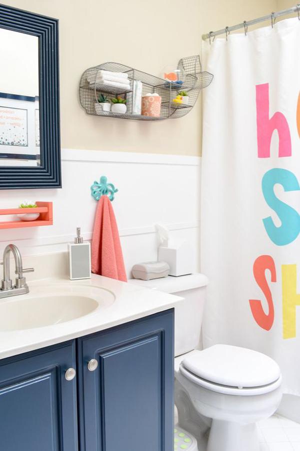 kidsbathroomwithcolorfuldecor  homemydesign