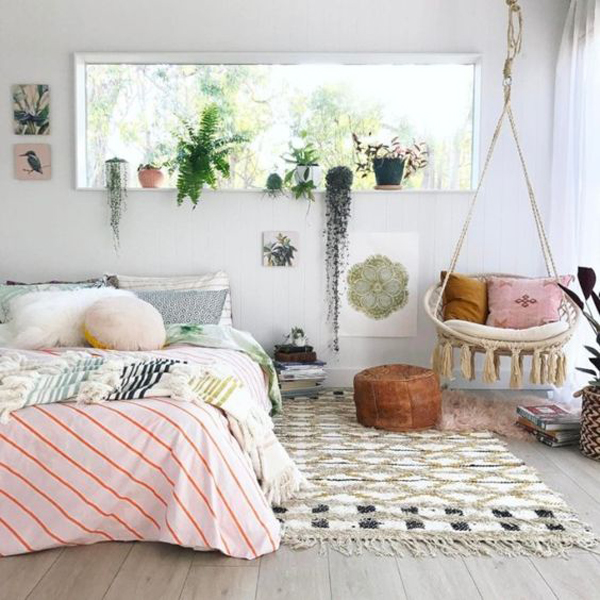 Cute Bedroom Decor With Indoor Planters