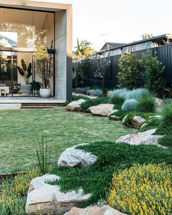 35 Modern Landscape Design Ideas For Minimalist Courtyard