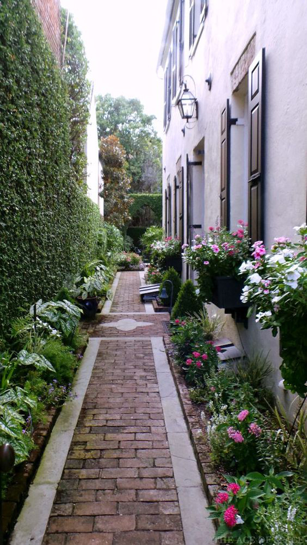 35 Exciting Side House Garden Ideas With Walkway ... on Side Yard Walkway Ideas id=48320