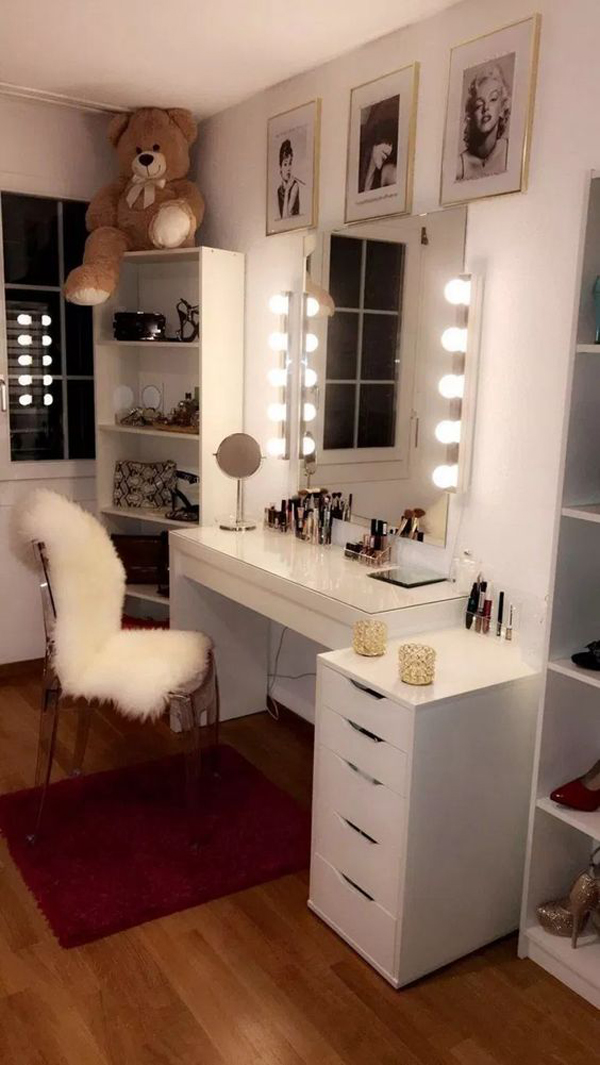 40 Feminine Makeup Room Ideas That Women Must Have ... on Makeup Room Design  id=95318