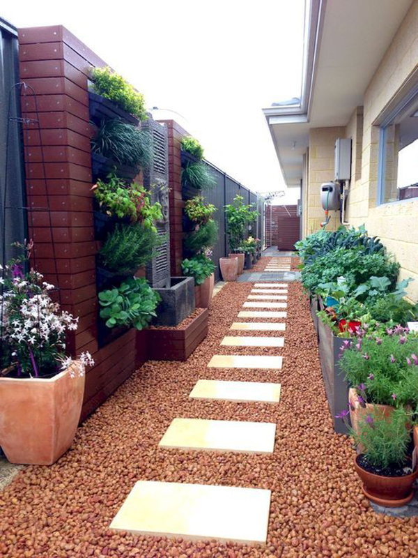 35 Exciting Side House Garden Ideas With Walkway ... on Side Yard Walkway Ideas id=76477