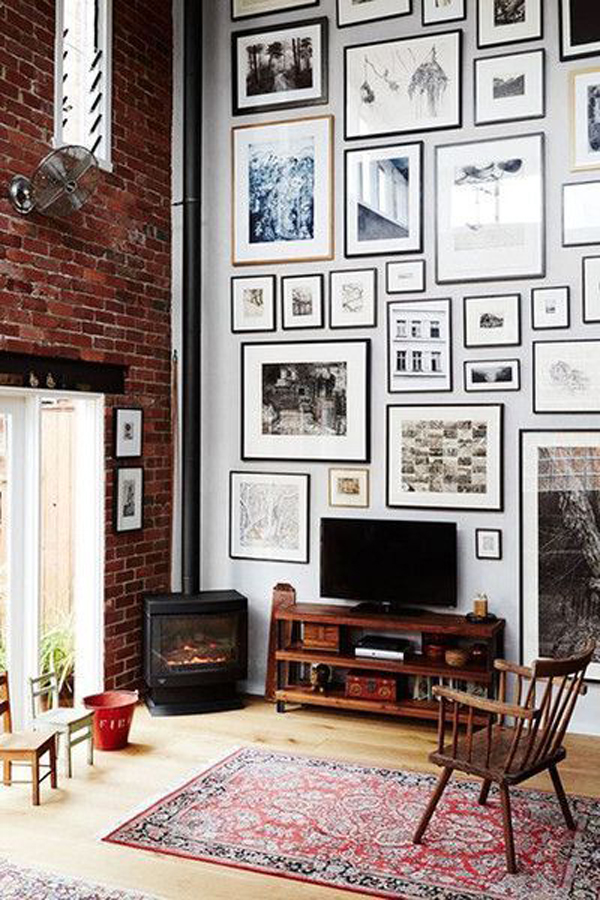 large-gallery-frame-wall-ideas-in-living-room - HomeMydesign