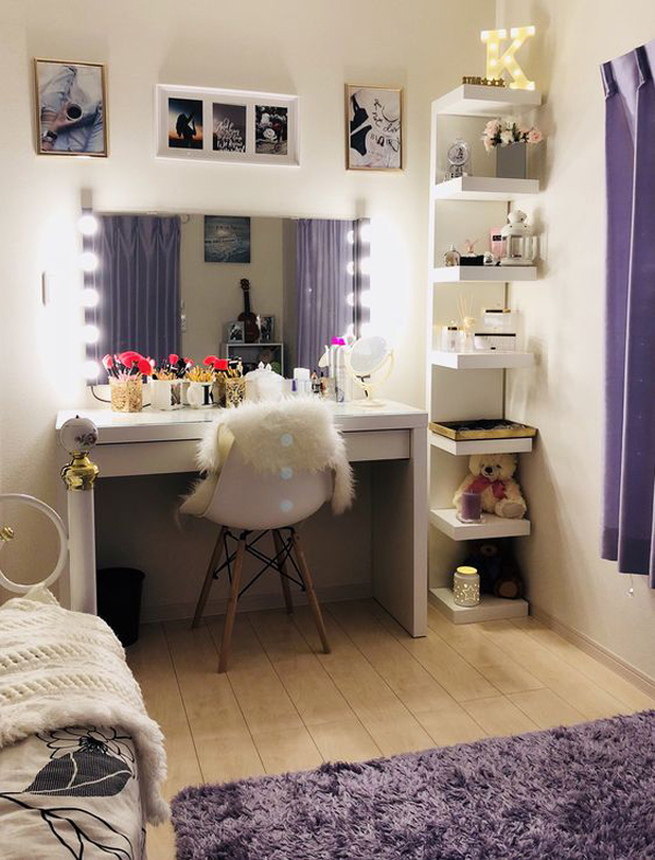 40 Feminine Makeup Room Ideas That Women Must Have ... on Makeup Room Design  id=31588
