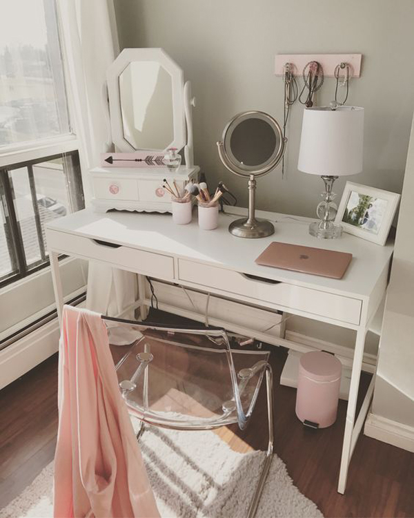 40 Feminine Makeup Room Ideas That Women Must Have ... on Makeup Room Ideas  id=71404