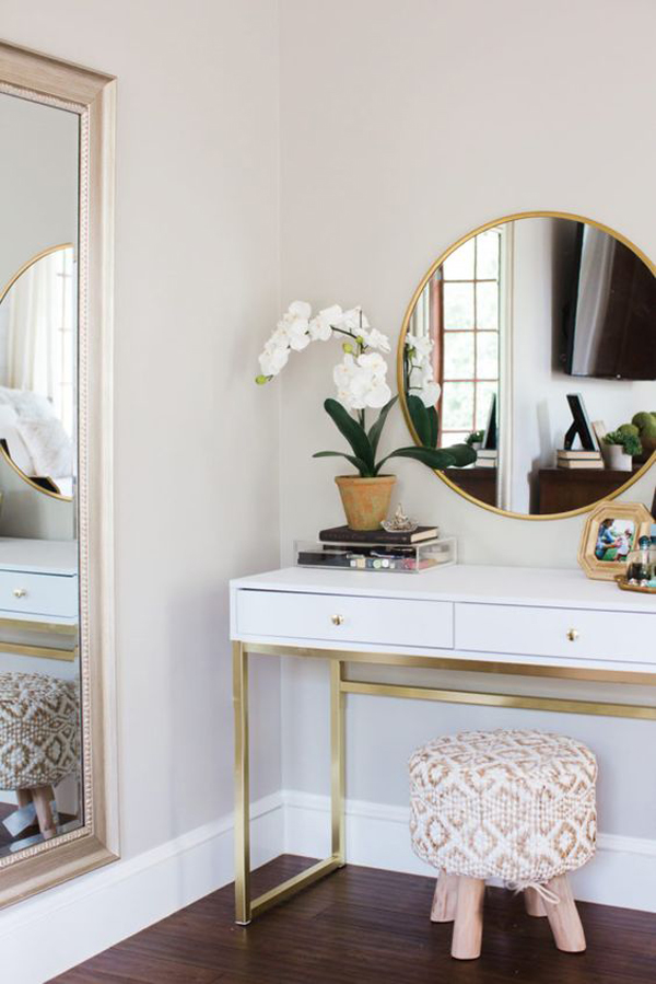 40 Feminine Makeup Room Ideas That Women Must Have ... on Makeup Room Design  id=92475