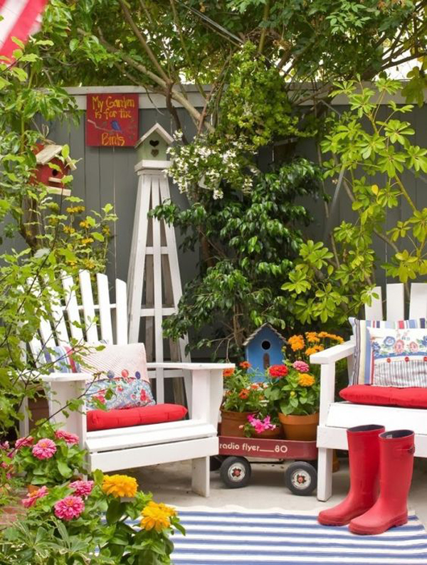 Amazing Small Gardens With Seating Areas Home Design And