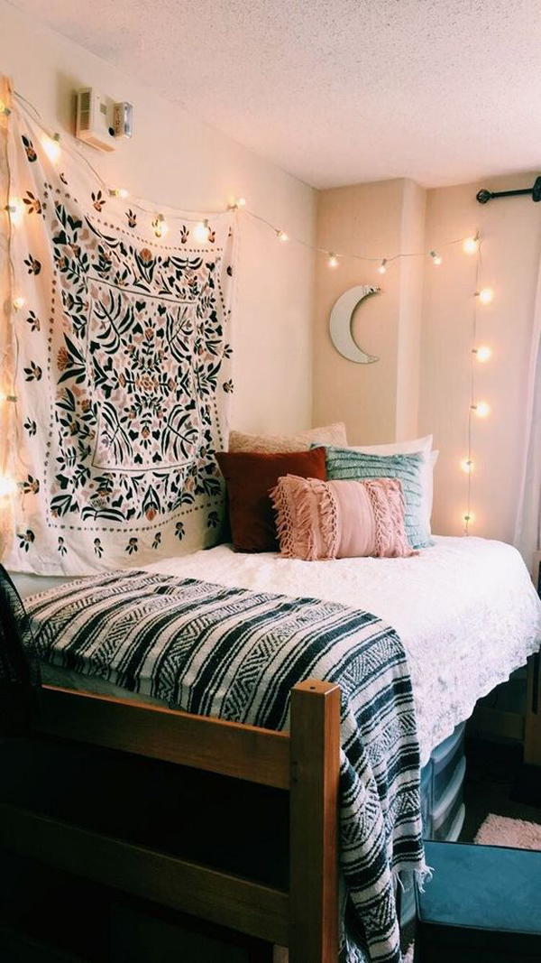 gorgeous-tapestry-bedroom-for-college-dorm-room – HomeMydesign