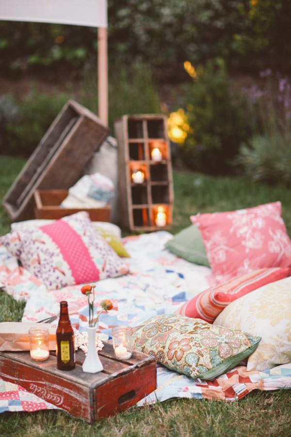 rustic-outdoor-party-decorations - HomeMydesign
