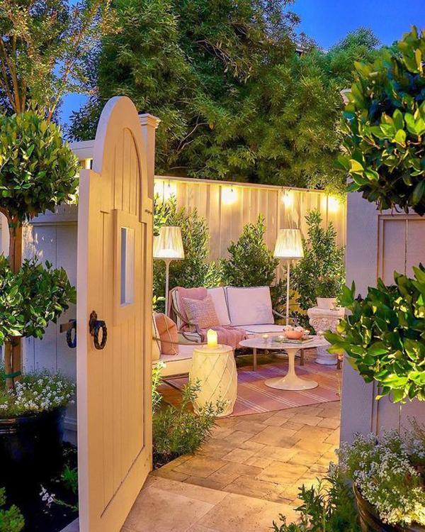 pretty-backyard-reading-nook-ideas - HomeMydesign on Backyard Nook Ideas id=37176