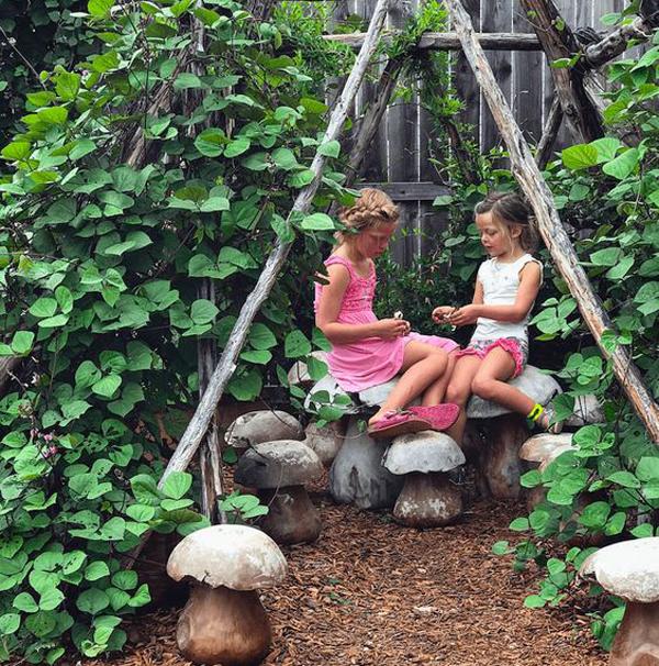 23 Fun Secret Garden Ideas For Outdoor Kids Plays