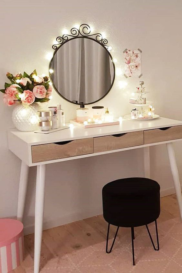 small-makeup-vanity-table-ideas-with-round-mirror ...