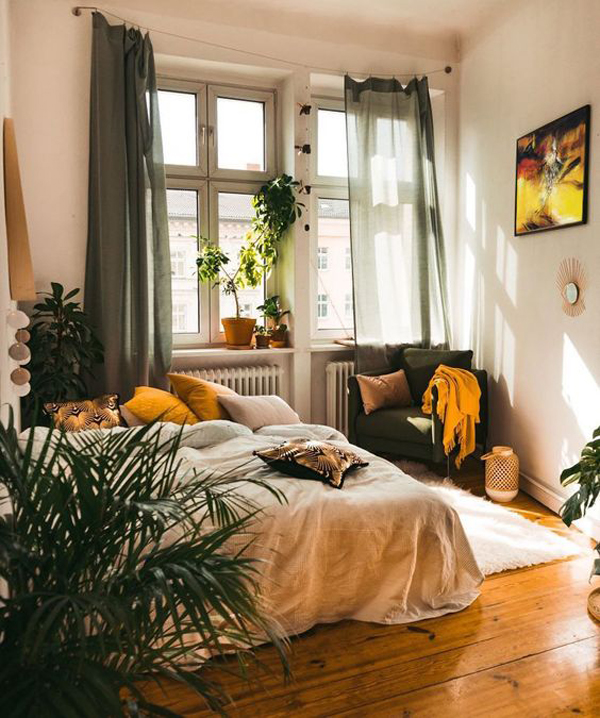 Warm-and-cozy-bedroom-ideas-with-wood-flooring