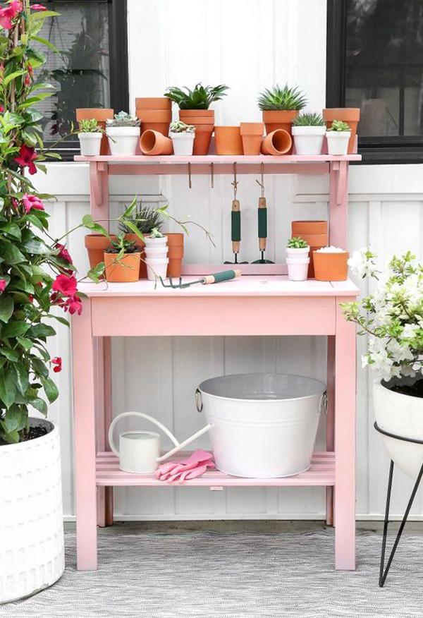 25 Small Backyard Ideas With DIY Gardening Station