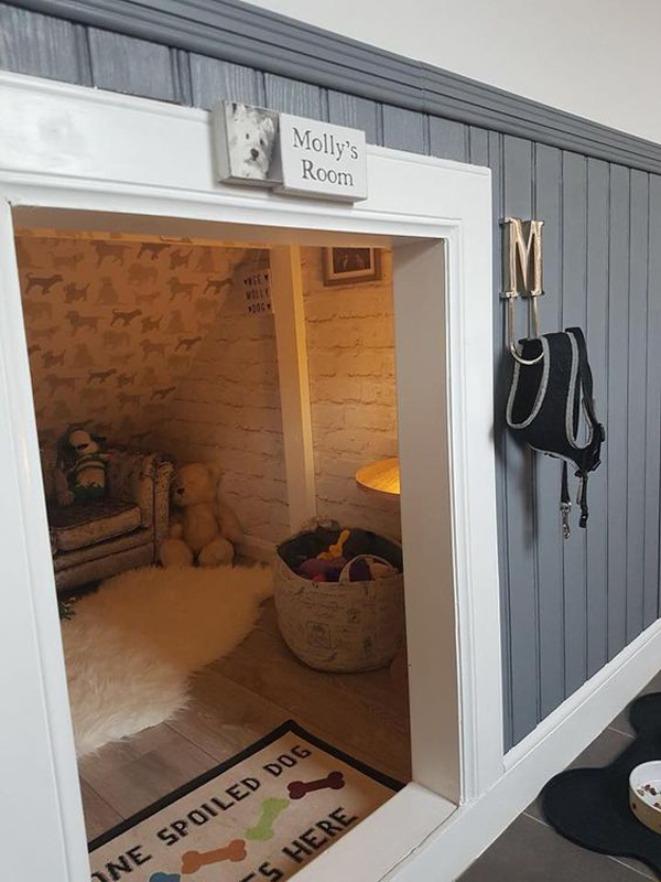 12 Awesome Under Stair Dog House Ideas To Maximize Your Space Homemydesign
