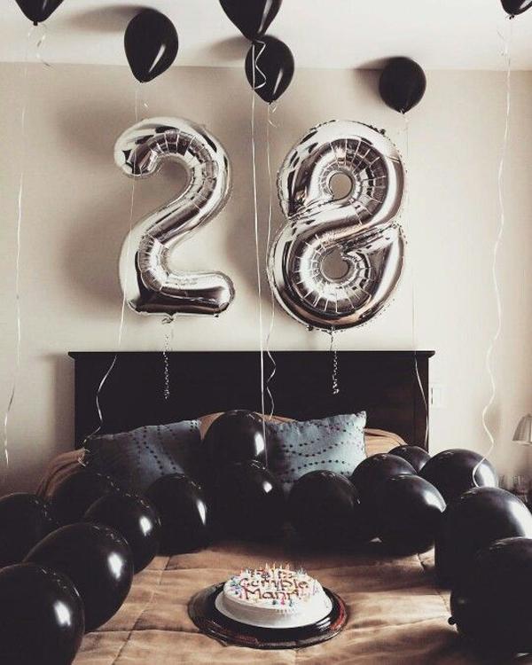 27 Romantic Birthday Bedrooms To Surprise Your Boyfriends